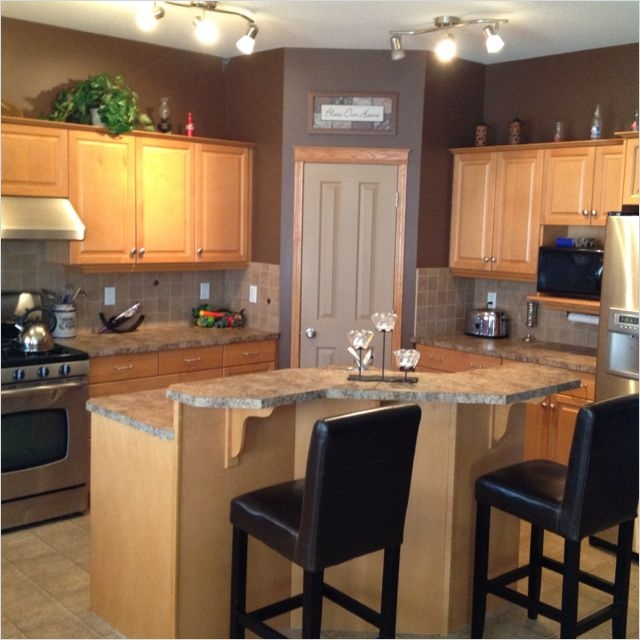 Kitchen With Maple Cabinets Color Ideas 22 Gongetech