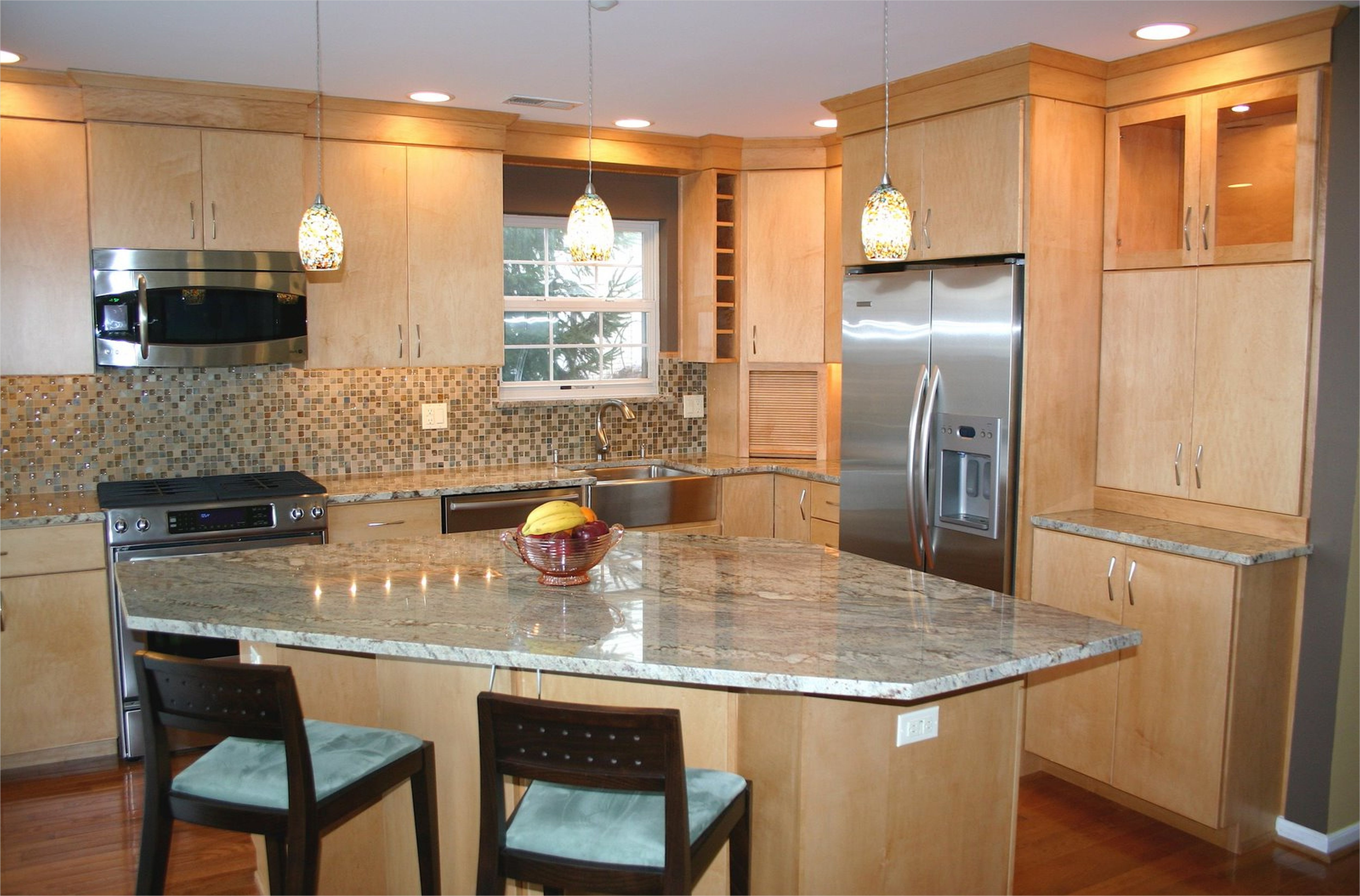 kitchen with maple cabinets color ideas 23 - Gongetech