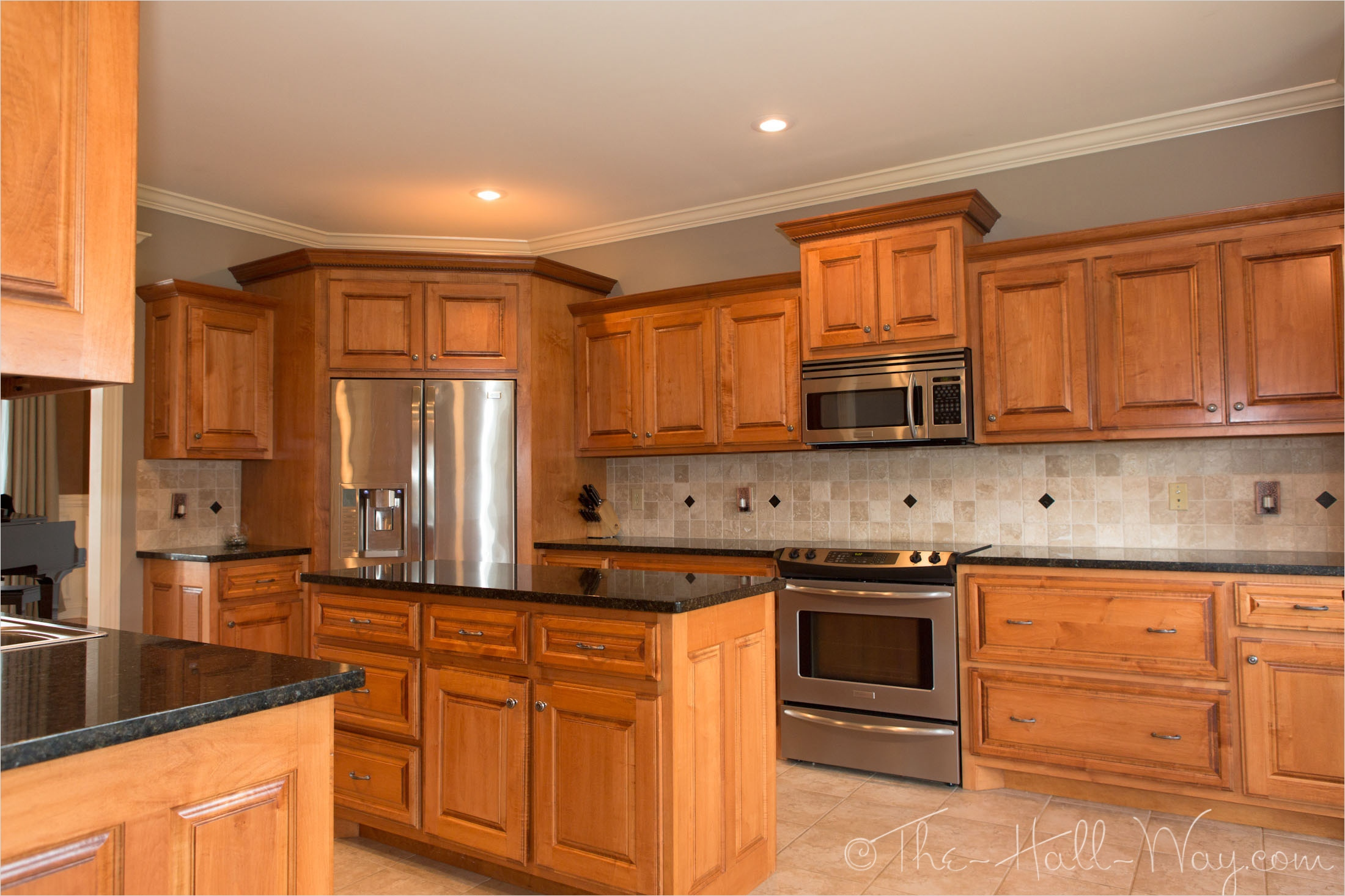 kitchen with maple cabinets color ideas 6 - Gongetech